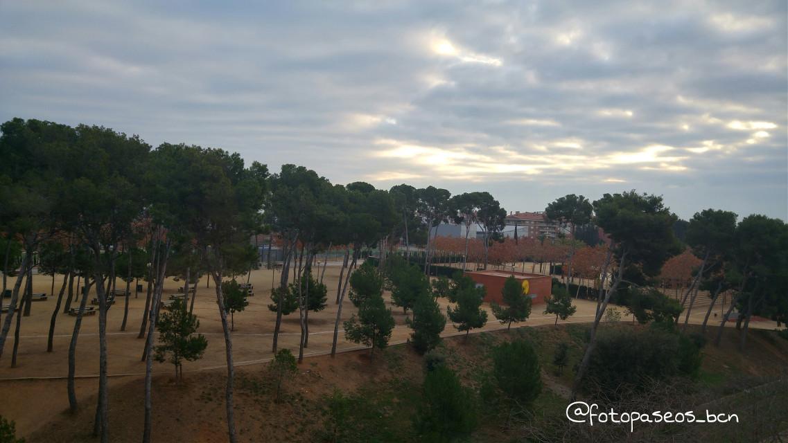 amanece un nuevo día #viladecans #barcelona #fotografia #streetphoto #photography #nature #hdr