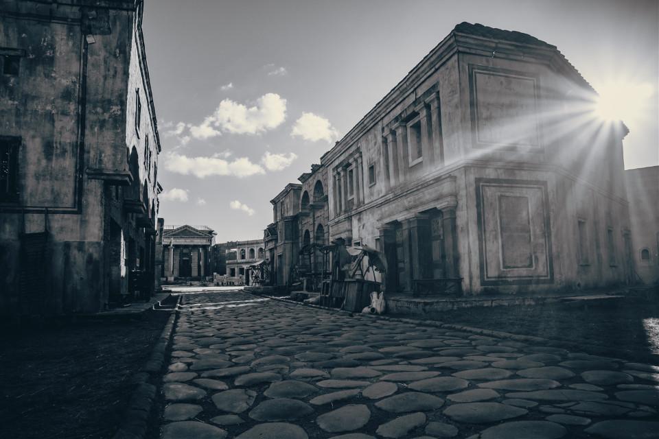 Rome. Black&white.  #rome #cinecitta #cityscape #street #italy #streetphoto #photography #travel #vintage #oldphoto #blackandwhite