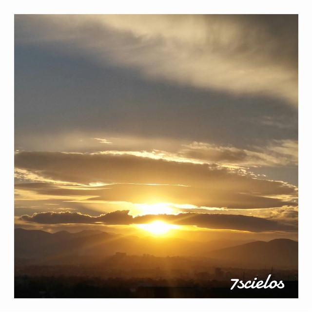 Una Mirada al Cielo!...   #sky #clouds #sunset #sun #sunshine #photo #cdmx