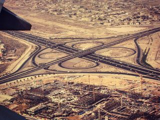airplane roads dubai cars traffic