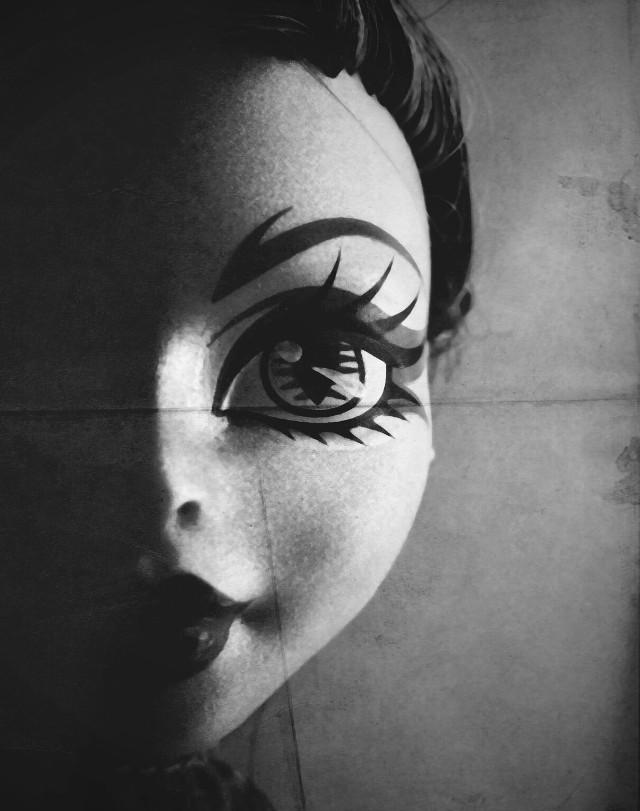 #shadow  #doll  #monsterhigh  #blackandwhite  #drama